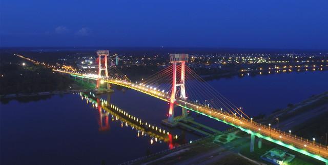 Jembatan Tengku Agung Sultanah Latifah Lokasi : Kota Siak Sri Indrapura, Kabupaten Siak, Riau